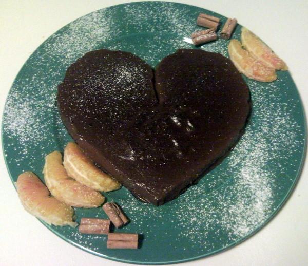 Cuore di budino al cioccolato fondente all'arancia e cannella
