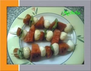 spiedini anguria e mozzarella