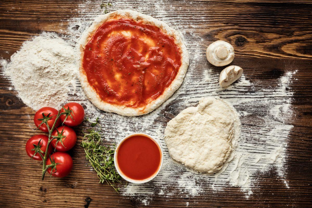 ricetta facile per fare la pizza con i bambini