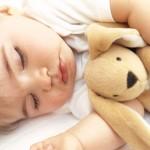 nanna-bambini-bimba-dorme-con-peluche