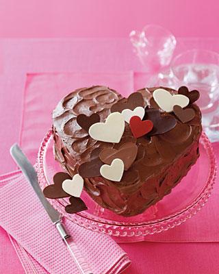 Torta a forma di cuore con ganache al cioccolato