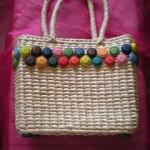 borse-paglia-decorate-bottoni