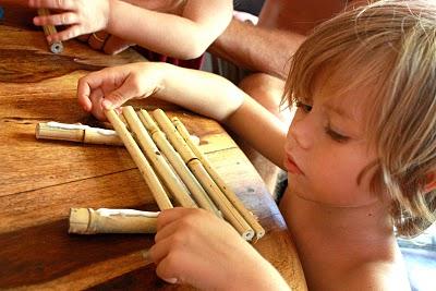 costruire-barca-bambu-incollare
