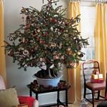 decorazioni-natale-albero-pigne-appese