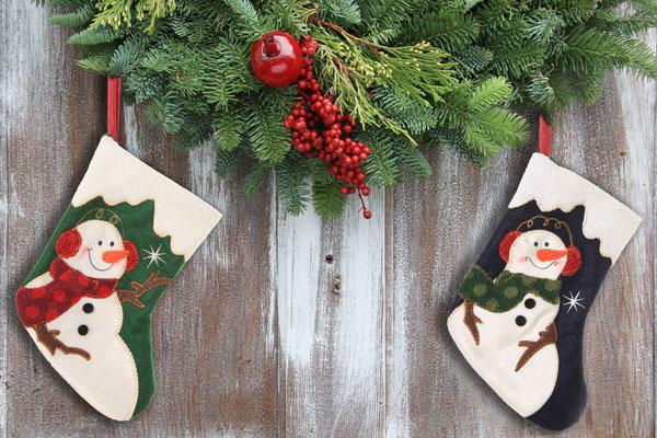 Ghirlanda e calze di Natale