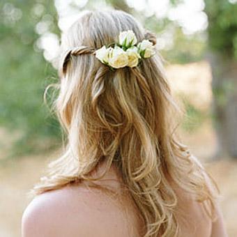 acconciature-bambine-fiori-capelli