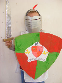 Costumi Carnevale Fai Da Te Scudo E Spada Blogmamma It