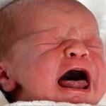 sicurezza-auto-bambini-pianto
