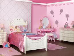 Cameretta bambini principesse - Dipingere la cameretta dei bambini ...