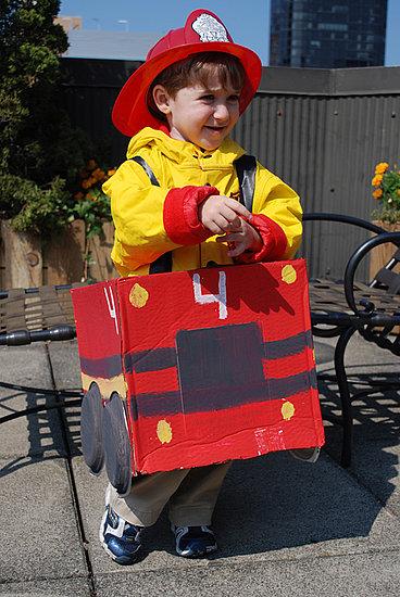 costumi-carnevale-fai-da-te-cartone-pompiere