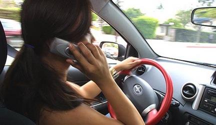 sicurezza-auto-telefono