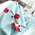 tavola-pasqua-piegare-tovaglioli-azzurro