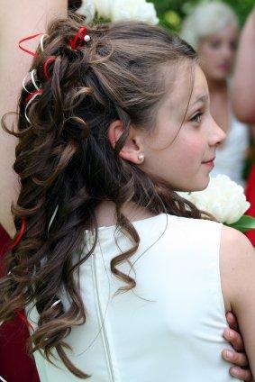 Acconciatura capelli bambina comunione