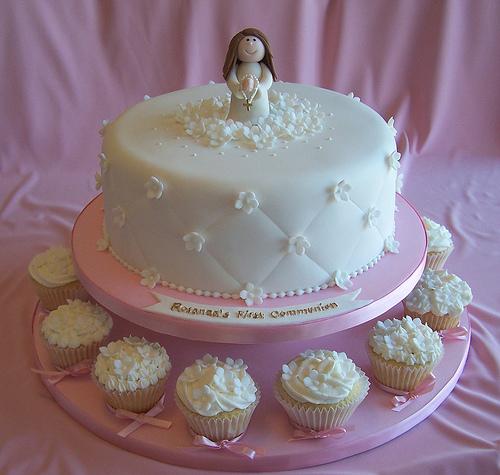 Torte prima comunione cupcakes for Decorazione torte prima comunione