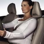 cinture-sicurezza-donna-incinta-auto