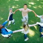 estate-giochi-aperto-bambini