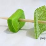 feste-compleanno-collane-caramelle-verdi-buco