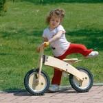 regali-bambini-bicicletta-senza-pedali-legno