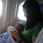 bebe-viaggio-aereo-allattare