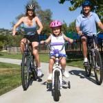 estate-attivita-bambini-bicicletta