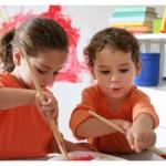 estate-attivita-bambini-dipingere