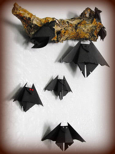 Halloween decorazioni pipistrello origami for Decorazioni torte halloween fai da te