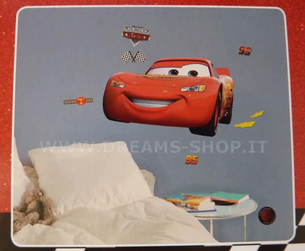 Arredare la cameretta dei bambini il letto di cars for Comodini bimbi