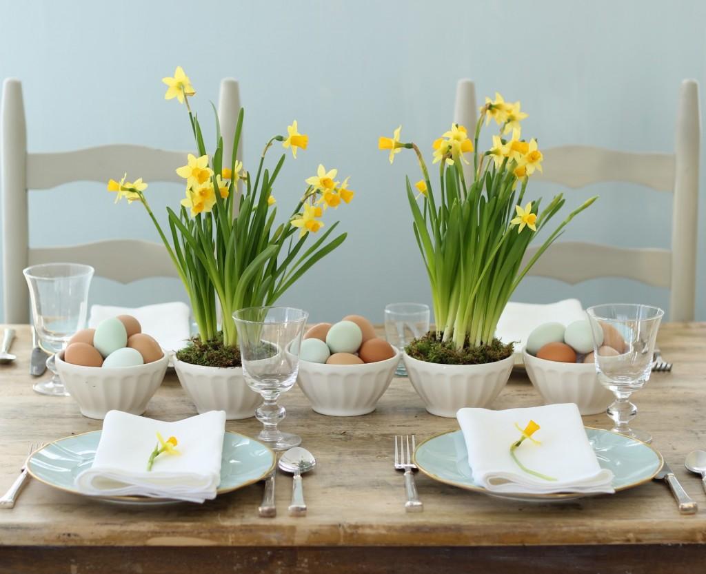 Centrotavola pasquali fai da te con fiori e uova - Blogmamma.it ...