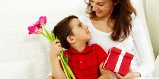 Festa della mamma: lavoretti, biglietti d'auguri, filastrocche