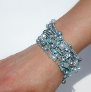 bracciale uncinetto con perle