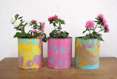 fiori in vasetti decorati