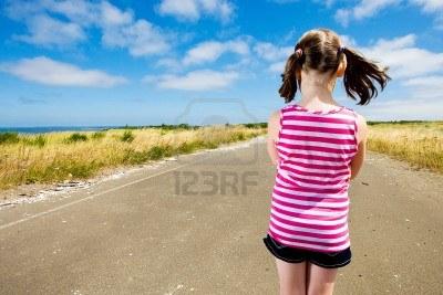 bambino strada futuro