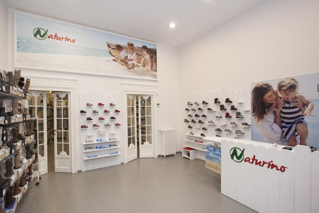 uk availability 493cf 3faf4 Naturino rinnova il look del negozio di via Durini ...