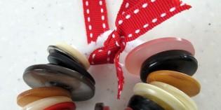 Natale:addobbi e palline con materiale di riciclo