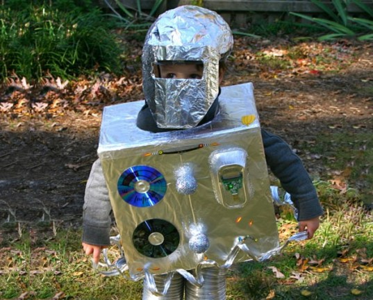 costumi-carnevale-riciclo-robot