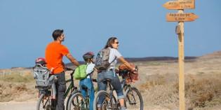 in bicicletta con la famiglia