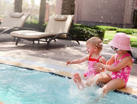 Bambini_in_piscina