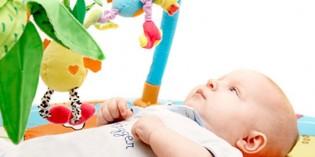 Neonato 0-3 mesi: quali giochi e attività?