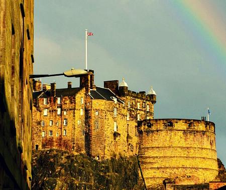 castello-edimburgo-con-arcobaleno
