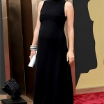 La bellissima Olivia Wilde si è presentata sul red carpet dell'Academy Awards con un black long dress. Mamma che fisico!