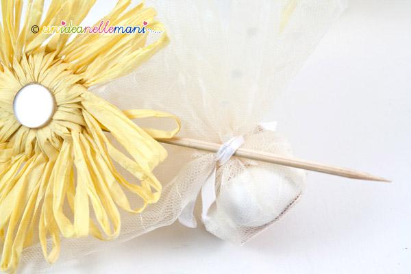 sacchetto di confetti per bomboniera