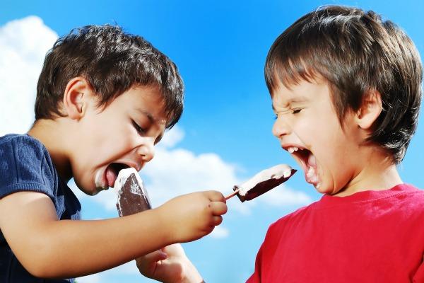 Estate alimentazione bambini