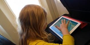 8 modi per intrattenere tuo figlio in aereo