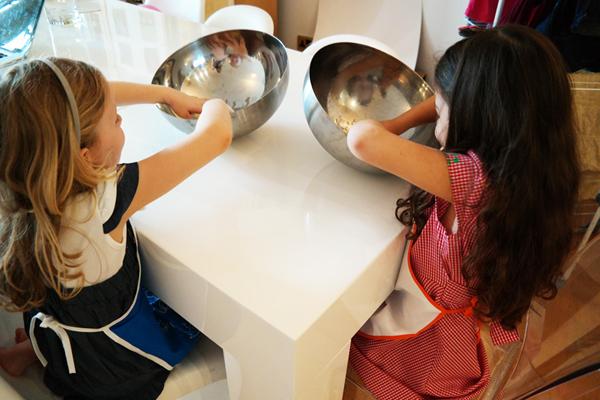 Cucinare con i bambini cosa pu succedere liberidisporcarsi - Cucinare coi bambini ...