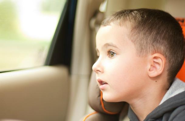 Quando i bambini possono viaggiare davanti?
