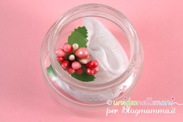 bomboniere con vasetti di vetro