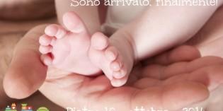 Dieci foto per annunciare la nascita del bebè creativamente