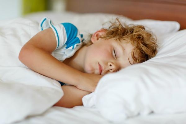 La pipì a letto nei bambini grandi