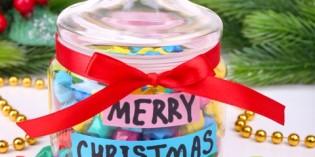 Riciclo creativo: riutilizzare i barattoli di vetro per regali di Natale fai da te