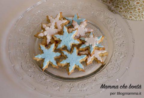 biscotti di frozen decorati in pasta di zucchero